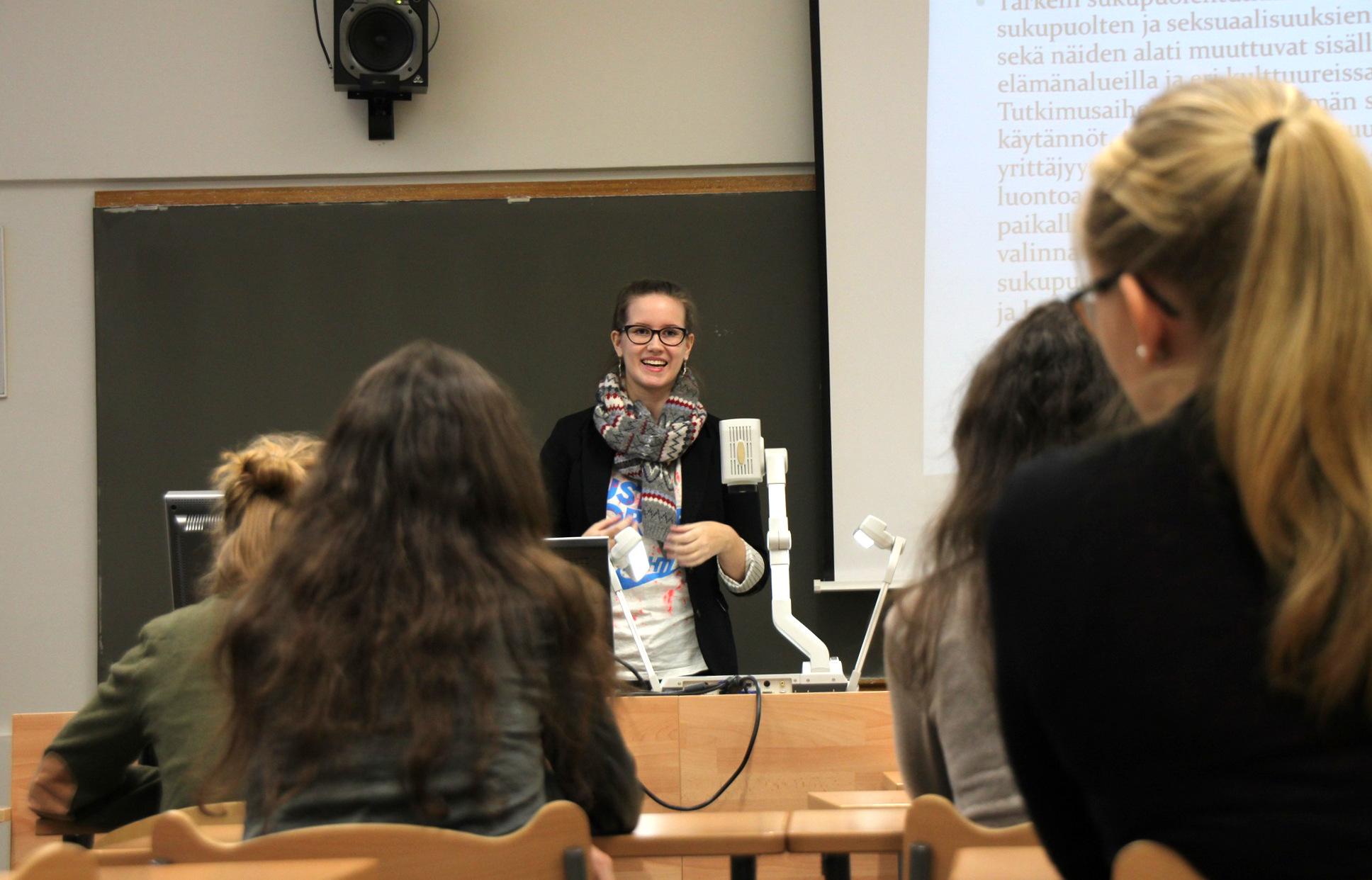 Anni Sepponen kertoo sosiaalitieteiden opiskelusta